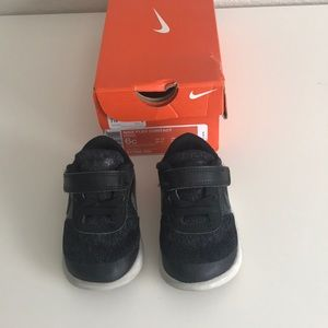 Nike Flex contact baby/toddler shoes